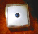 Sehr schöner, echter Saphir, königsblau in Orig.Chargenverpackung