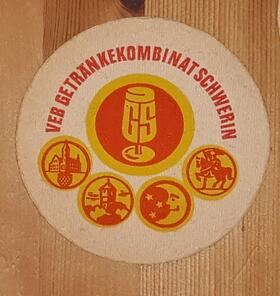 VEB Getränkekombinat Schwerin GS Bierdeckel BD DDR
