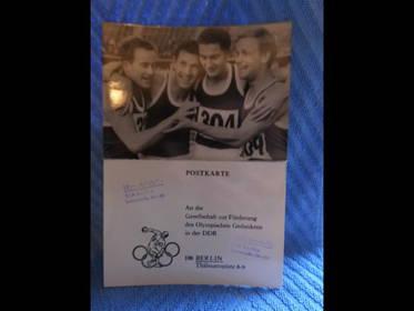 Postkarte der Nationalmannschaft der DDR Staffel der Männer