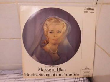 Maske in Blau / Hochzeitsnacht im Paradies