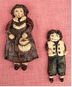 2 flache Keramik-Figuren Mutter und Sohn , aus Spanien