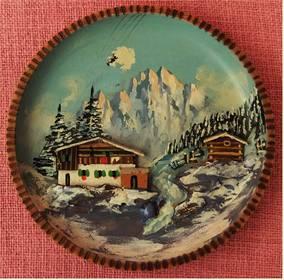 Wandteller aus Holz - Mit Alpen Relieff-Motiv - ca. 18 cm Durchme