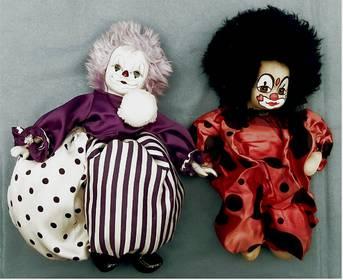 2 x Clown-Puppen - 1 x mit Teilporzellan + 1 x Hartpappe / Stoff