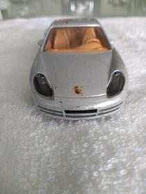 Porsche 911 Carrera von Bburago
