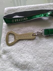 Schlüsselband mit Flaschenöffner von Veltins