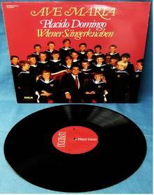 Placido Domingo - Wiener Sängerknaben : Ave Maria