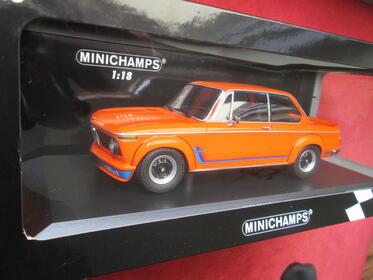 Minichamps BMW 2002 Turbo orange 1:18