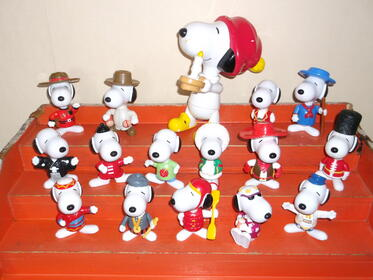 16 Mc Donalds Figuren Snoopy - Happy Meal