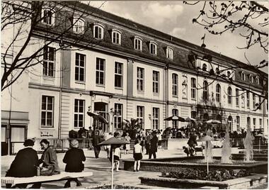 Berlin - Hauptstadt der DDR - Operncafé