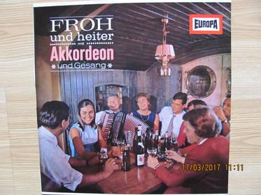 Froh Und Heiter mit Akkordeon und Gesang