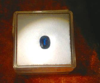 Sehr schöner,echter Saphir, königsblau in Orig. Chargenverpackung