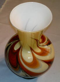 Wunderschöne Vase aus Florenz in Opalglas aus Sammlungsauflösung