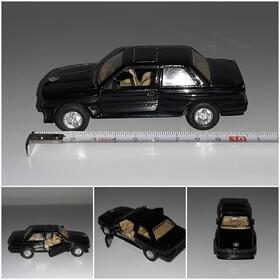 BMW M3 E30 schwarz Oldtimer Kult Modell WELLY